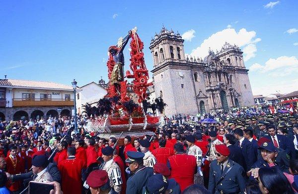 Señor de Los Temblores: 300 mil creyentes acuden a procesión en Cusco (FOTOS)