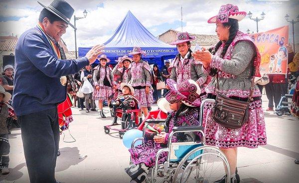 Cusqueños con habilidades diferentes recibieron sillas de ruedas en San Sebastián
