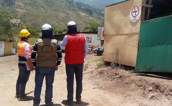 Combustible se almacena de manera inadecuada en obra de Cusco