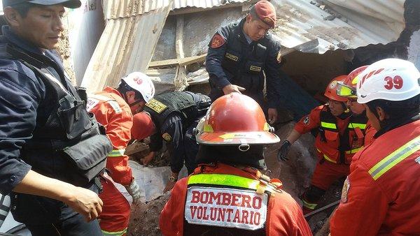 Camión choca con bus dejando un muerto y al menos 10 heridos en Cusco (VIDEO-FOTOS)